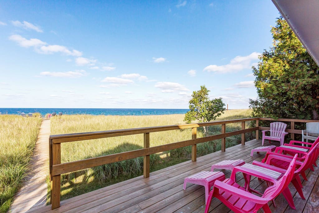 This getaway provides all the spectacular views you hope for.