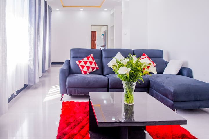 The Tulip   2 Bed- Kings  WiFi   Roma Park   Mall