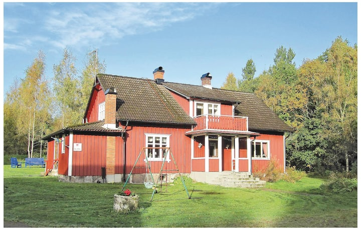 Nice home in Torup with Sauna and 4 Bedrooms