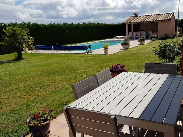 Maison à la campagne avec piscine