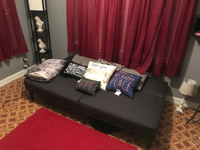Aj's Guest Room