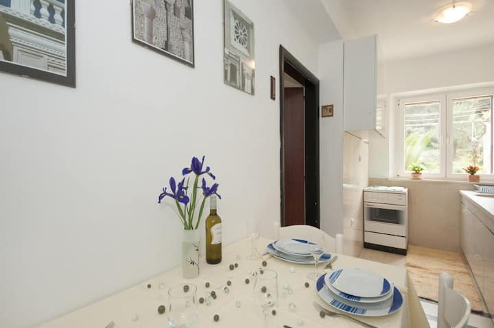 Apartments Kalajzic - Two Bedroom Apartment with Garden and Terrace