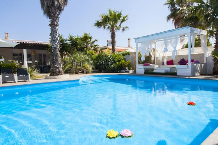 Villa with pool 50mt from the Beach - Lido Pizzo - Villa