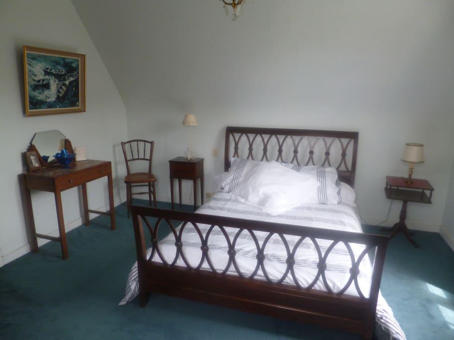 Chambre spacieuse, vue sur mer...