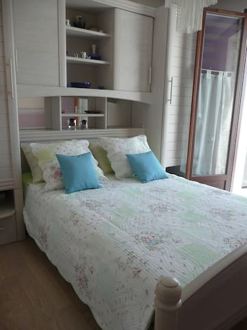 Independent room, air conditioning, private lounge - Palaiseau - Rumah