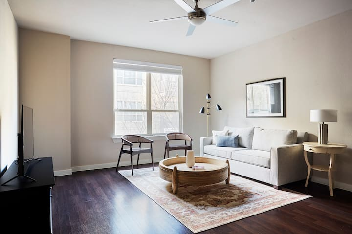 Sonder | Pearl District | Charming 1BR + Pool