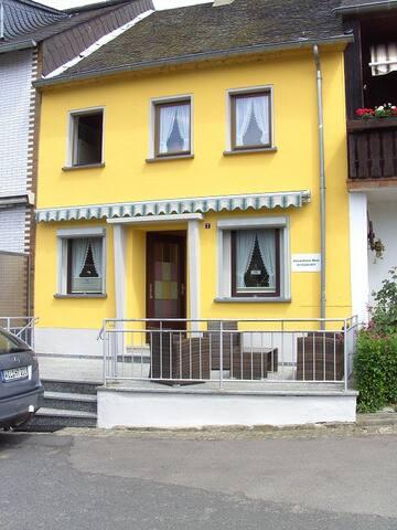 Ferienhaus ROSI in Wintrich/Mosel