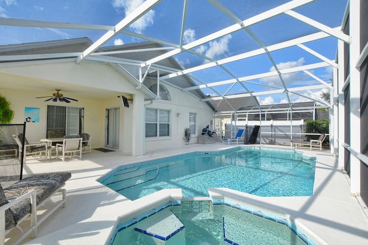⭐⭐⭐⭐⭐Luxury Villa 2 miles to Disney, Pool RF2811