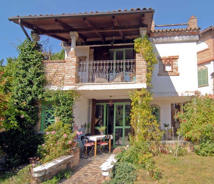 Casa Pimpa in the hills of Monferrato, 3km Asti