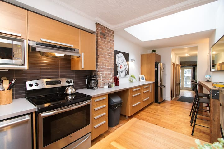 MONTREAL DREAMLOFT with PATIO & BBQ on the PLATEAU - Montreal