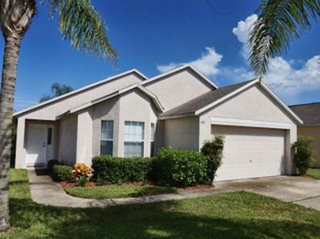 Great home near Disney! - Davenport - House
