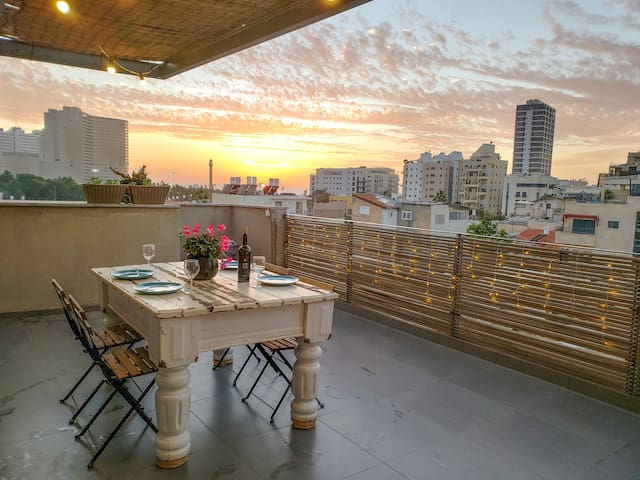 ♛Luxury Penthouse 1BR *Sea-View Terrace*+Netflix♛