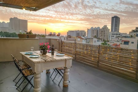 דירה 7 · ♛Luxury Penthouse 1BR *Sea-View Terrace*+Netflix♛