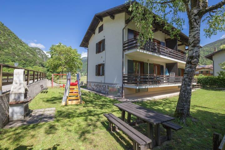 Casa Stefania, a Pieve a soli 200 mt dal Lago