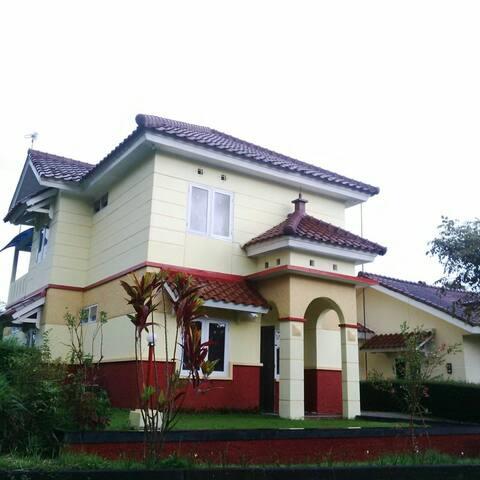 Villa Sasky-CIATER HIGHLAND 5 Beds - subang - Casa de campo