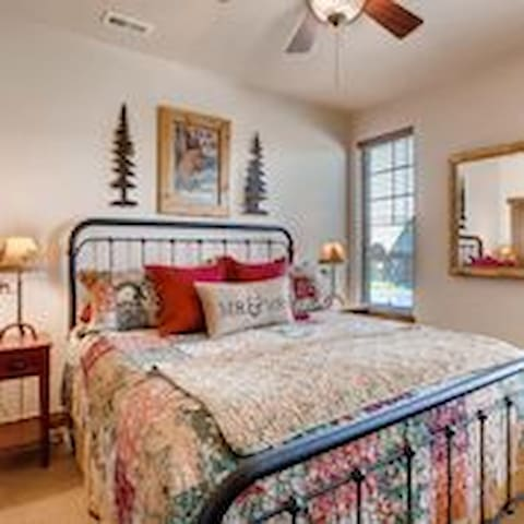 Luxurious Private Room in downtown Winter Park