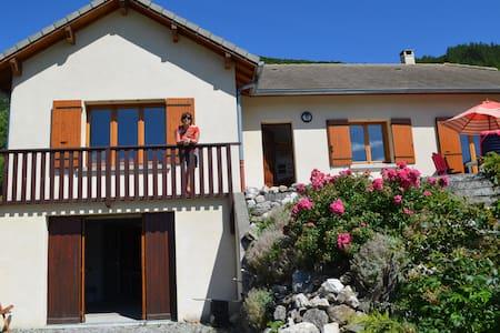 Heerlijk vakantiehuis in Zuid-Franse Alpen - Aspres-lès-Corps