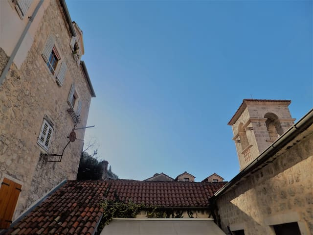 San Francis accomodation in Kotor Old Town - Kotor - Pis