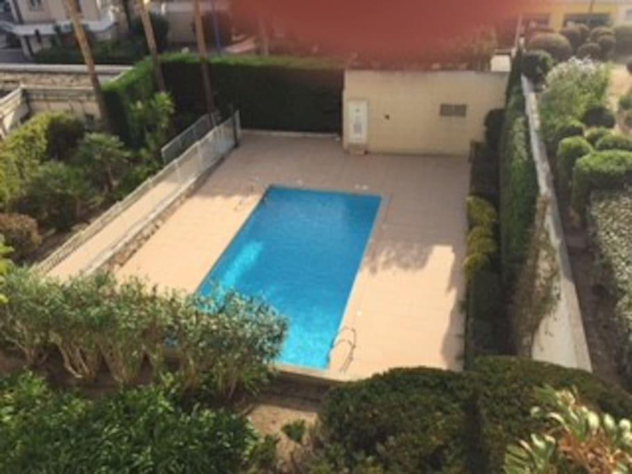 3 pieces plein centre avec piscine appartements louer for Piscine mandelieu