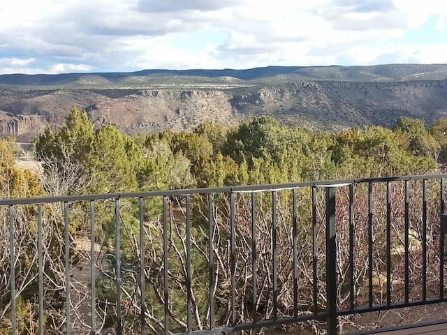 White Rock Canyon is your backyard - Los Alamos - Rumah
