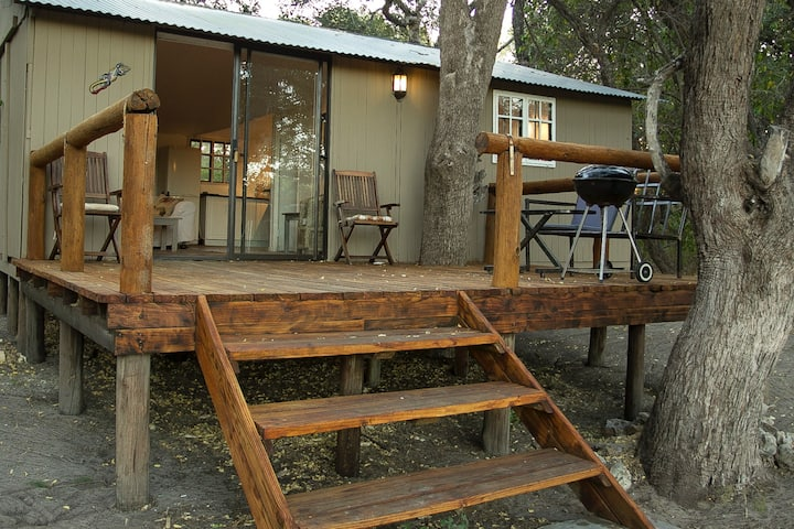 Tranquil Bush Retreat just outside Maun,sleeps 2-4