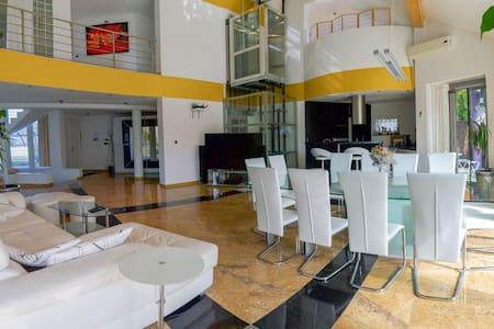 Vila SPA Zbilje 300m2•lift•barbecue•jacuzzi•sauna