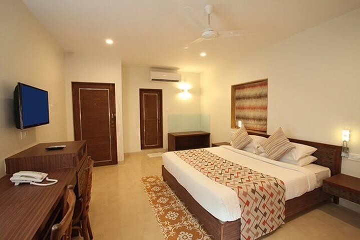 GEH-1012 Hotel room at Baga for 2