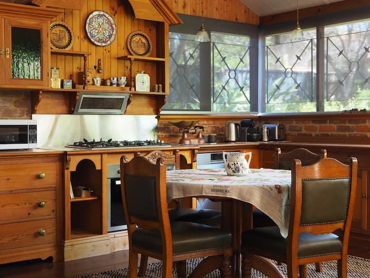 Kardinya Sunrise Cottage