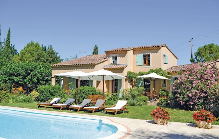 Holiday cottage with 3 bedrooms on 171m² in Althen Des Paluds