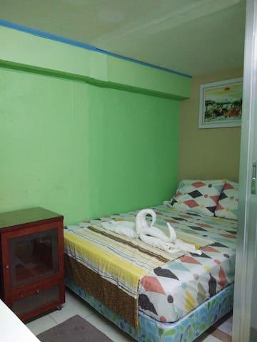 Mjs crib home stay near mactan intl airport cebu