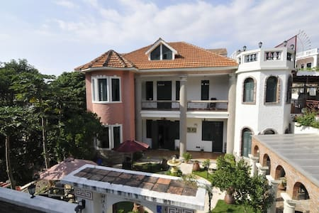 Exploring the Original Gulangyu - Villa