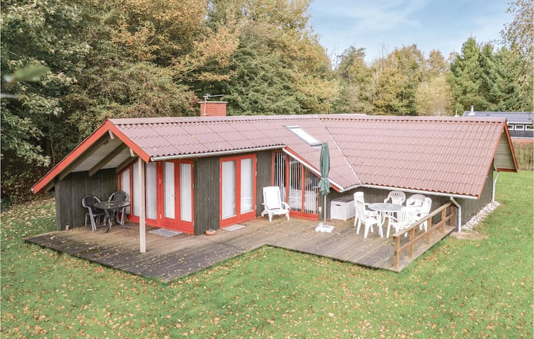 Holiday cottage with 3 bedrooms on 75m² in Hemmet