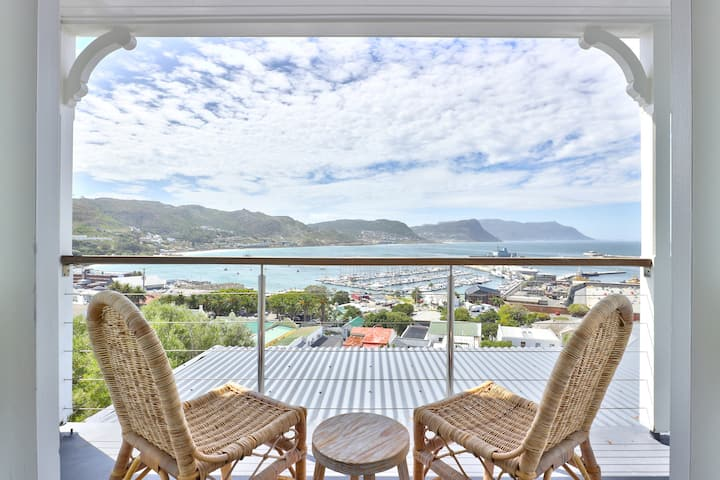 Simonstown style+Boulders+Cape Point+views