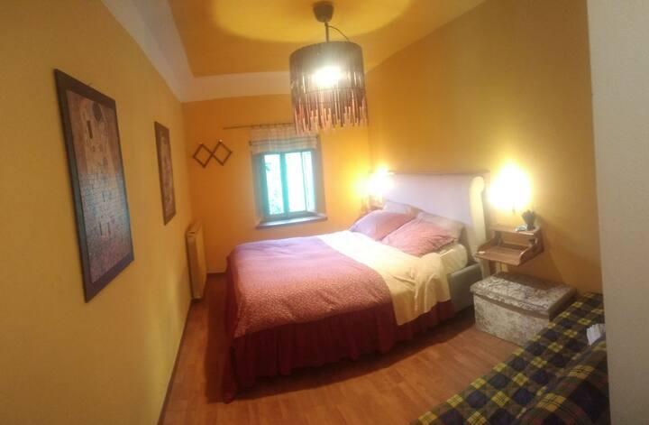 Il Podere degli Gnomi  Yellow room
