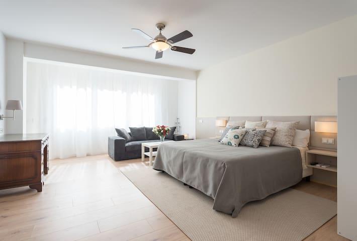 Bright Sunny Spacious Studio - Soho - Málaga - Apartamento