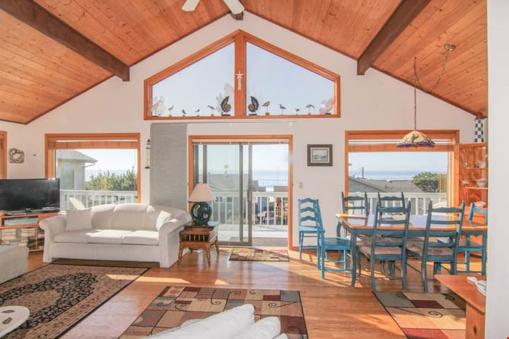 Shell House-6519 - Spacious Great Room and Two King Bedrooms in this Roads End Ocean-View Home