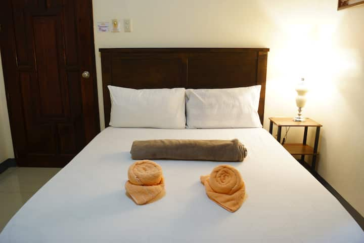 B&J GuestHouse (Standard Room for 2)