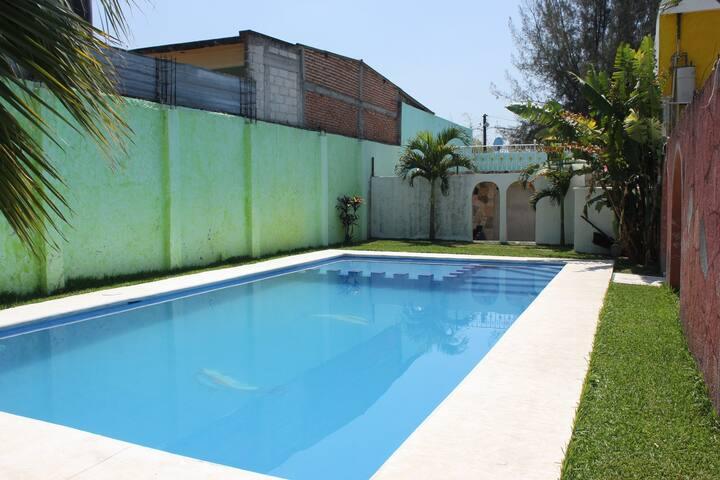 La Casa De Los Canarios