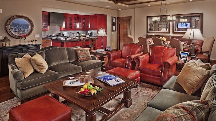 """One Steamboat Place: """"Sawtooth Mountain"""" #514 - 4BR Luxe Condo"""