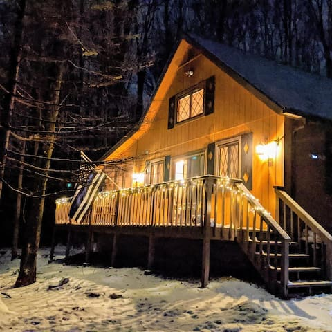 The quintessential Pocono retreat!