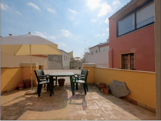 Charming house with roof terrace - Castelló d'Empúries - Haus