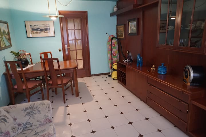 Room in 6 min from the beach