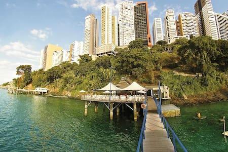 3 Flats Sol Victoria Marina: Charme, Folia e Mar! - Salvador - Apartotel