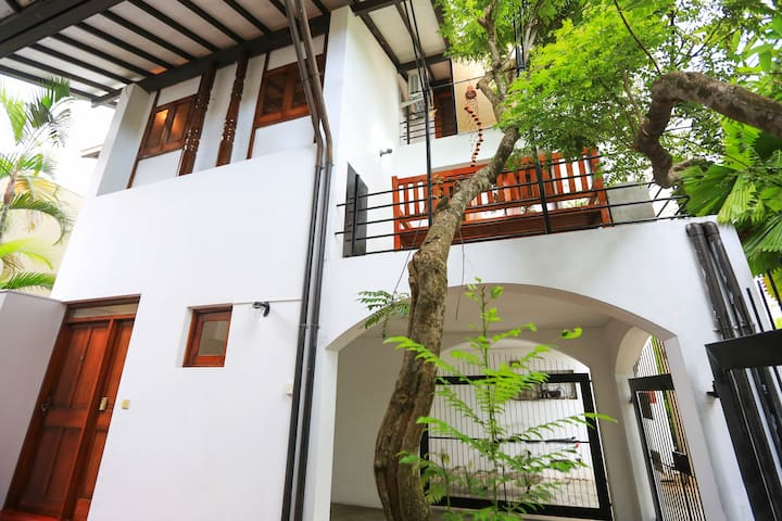 Colombo 3 Deal Place Apartment