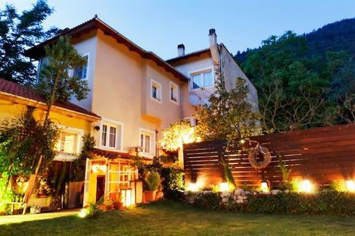 Anerada's Blue suite apartment - Megalo Chorio - Reihenhaus