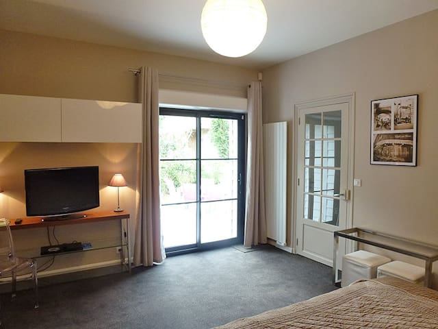Cosy private suite with bathroom - Samois-sur-Seine - Villa