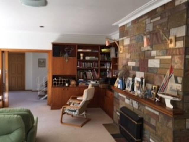 Going Solo Solar Shack Beach Front Abode - Blairgowrie