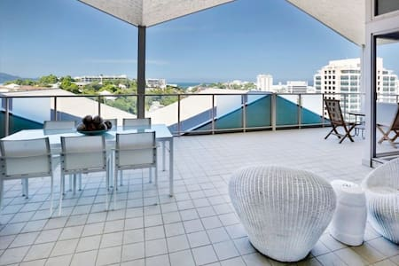 CITY PENTHOUSE, WATER VIEWS! - Appartamento