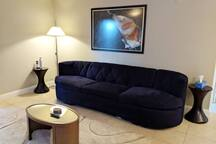 A07 - Luxury 2 Bedroom Apt next to Strip