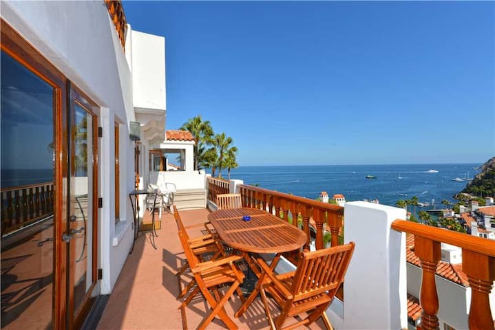 H1778 - 2BR Villa w/ Ocean Views from Every Room!